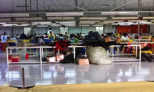 xưởng chuyên may balo cặp túi giá rẻ