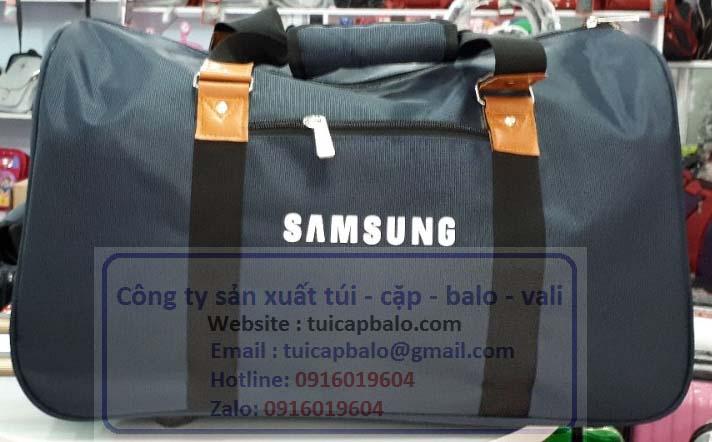 Xưởng chuyên may balo túi xách quà tặng giá rẻ tại Hà Nội, in theeo logo balo túi xách
