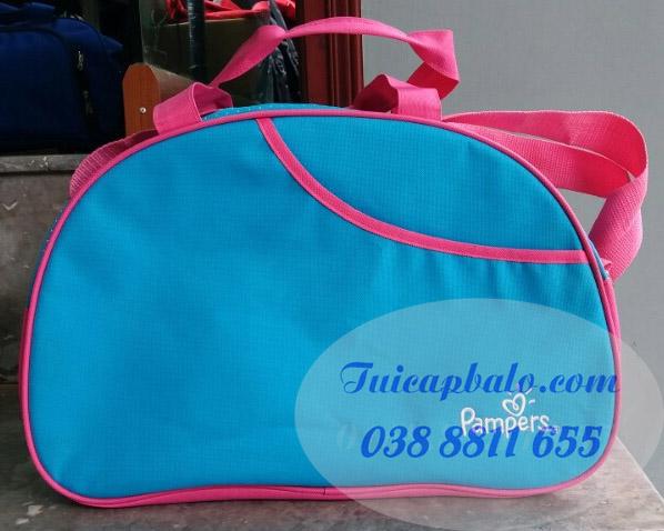sản xuất túi du lịch đựng đồ tặng kèm bỉm pamper