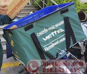 May túi bọc ngoài thùng nhựa chở hàng